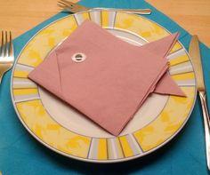 Tischdekoration erstellen mit Servietten falten           Hallo Steemers ✀    Heute möchte ich euch zeigen, wie man… by angel76