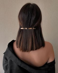 sleek short hair Best Picture For beauty art For Your Taste You are looking for something, and it is Hair Inspo, Hair Inspiration, Medium Hair Styles, Curly Hair Styles, Hair Medium, Medium Straight Hair, Half Up Half Down Short Hair, Medium Long, Pretty Hairstyles