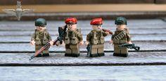 Lego Soldiers, Lego Ww2, Lego Military, Military Figures, Lego Minifigs, Wrangler Shirts, Paratrooper, I Work Hard, British