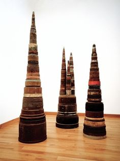 ©tony cragg - Please God let these be tribal headdresses. How cool would that be? Or at least some off the chart lamps. I'd like that a lot. Thanks.