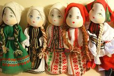 Magazin online traditional artizanat romanesc Handmade Dolls, Projects To Try, Christmas Ornaments, Holiday Decor, Home Decor, Baby Dolls, Craft Work, Decoration Home, Room Decor