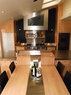 Small Kitchen Decorating Ideas: Pictures & Tips From HGTV | Kitchen Ideas & Design with Cabinets, Islands, Backsplashes | HGTV LOVE the stove!