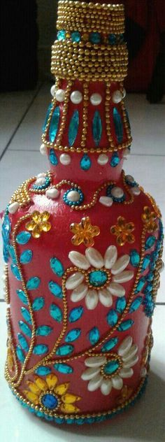 Wine Bottle Art, Diy Bottle, Wine Bottle Crafts, Mason Jar Crafts, Glass Painting Designs, Diwali Craft, Diy Wind Chimes, Indian Crafts, Altered Bottles