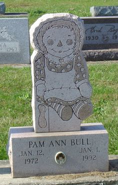 Raggedy Ann Gravestone in Elwood Cemetery Madison County  Indiana. I have an obsession with raggedy Anne...not that I'm planning on dying but this is too cute