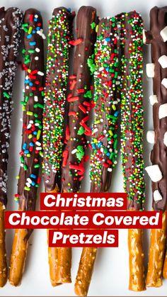 Chocolate Covered Pretzels Recipe, Chocolate Apples, Christmas Chocolate, Melting Chocolate, Christmas Foods, Christmas Candy, Christmas Treats, Christmas Desserts, Christmas Recipes