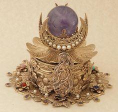 Kwan Yin Box with Pearls and Chakra Stones