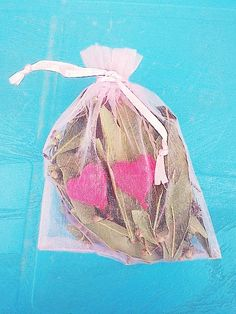 Saquitos ritualizados del amor con corazones Necklaces, Bracelet, Charms, Sacks, Products, Hearts, Objects