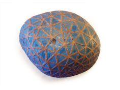 Títol: xarxa blava Pedra de mar gravada en relleu