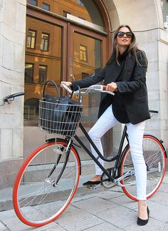 NYFW Spring 2015 - in the streets...B&W & bike <3