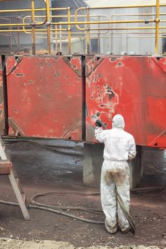 AEB uses Quill Falcon abrasive blast equipment to profile and clean surfaces on all types of boats and ships in Adelaide.