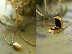 ring box pendant