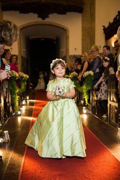 Home wedding: dama entry