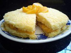 Bolo de Pêssego, um bolo fácil de fazer recheado com pêssego e cobertura deliciosa de chantilly, esse bolo fica...  http://cakepot.com.br/bolo-de-pessego/
