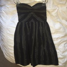 Strapless Roxy dress black/grey Never worn! Super cute strapless dress Roxy Dresses Strapless
