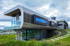A Futuristic Contemporary House by EON architecture