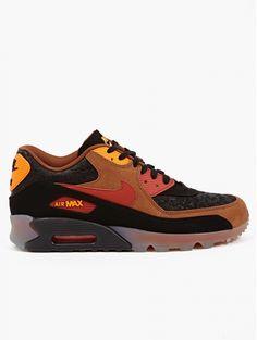 0d3b0a967d7e Nike Men s Black Air Max 90  Halloween  Sneakers