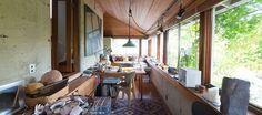 建築家・阿部勤さんの自邸は、築41年という年月を経てもなお新しく感じる。それどころか、年月を重ねるほどにどんどん味わいが増している。