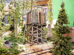 watertank Ho Trains, Model Trains, Mini Fairy Garden, Fairy Gardens, Standard Gauge, Diorama, Water Tower, Water Tank, Locomotive
