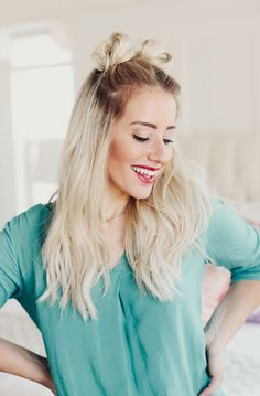 Twist Me Pretty - A beauty & lifestyle blogger. See my tutorials on hair and beauty and all my favorite fashion posts.