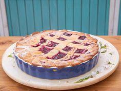 Višňový linecký koláč — Peče celá země — Česká televize Pie, Food, Torte, Cake, Fruit Cakes, Essen, Pies, Meals, Yemek