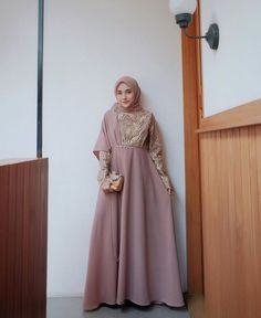 49 Ideas Dress Hijab Promnight For 2019 Hijab Gown, Kebaya Hijab, Hijab Dress Party, Hijab Style Dress, Muslimah Wedding Dress, Kebaya Dress, Dress Outfits, Fashion Dresses, Dress Muslimah