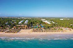 Hotel IBEROSTAR Punta Cana is van alle gemakken voorzien en zeer geliefd bij onze gasten. Met o.a. een perfecte ligging, een overweldigend assortiment aan faciliteiten, buffetten van ongekende kwaliteit en een compleet all inclusive programma is dit hotel een uitstekende keuze voor een heerlijk verblijf op de Dominicaanse Republiek!    De hele dag door kunt u meedoen met de (sport)activiteiten van het animatieteam. Voor zowel jong als oud wordt er genoeg georganiseerd.
