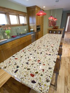 Eco-Friendly choice for kitchen and bathroom (Recycled glass countertop ideas) unique surfaces handcrafted black, brown, green and blue countertops. Concrete Kitchen, Glass Countertops, Kitchen Countertop Materials, Eclectic Kitchen, Kitchen Remodel, Home Remodeling, Eclectic Kitchen Design, Recycled Glass, Kitchen Design