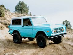 Would be so fun to have an old car like this. 1970 Ford Bronco Front Passenger Side View
