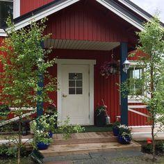 #Juhannus ja koivut ovipielessä. #Länsi-Teisko . Garage Doors, Outdoor Decor, Home Decor, Decoration Home, Room Decor, Home Interior Design, Carriage Doors, Home Decoration, Interior Design