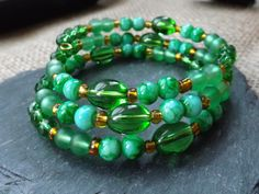 "Green Memory Wire Glass Beaded Bracelet ""BC69"" £10.00"