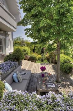 Modern by esra kazmirci mimarlik, modern - Garten-Inspiration Tropical Landscaping, Outdoor Landscaping, Tropical Garden, Outdoor Decor, Landscaping Tips, Back Gardens, Outdoor Gardens, Amazing Gardens, Beautiful Gardens
