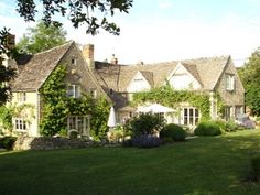 Beautiful cottage in Cotswolds needs a house sitter in England's prettiest village.