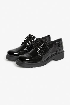<p>We're pretty sure you're going to #monkistyle and babe up these shiny classic oxford shoes ur way.</p> <p>colour: <em>Black magic</em></p> <p