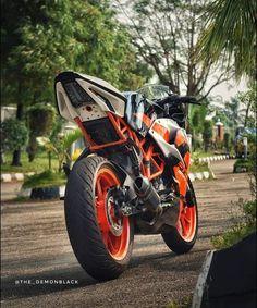 Super Bike Motorcycles Pictures Ideas For 2019 R15 Yamaha, Duke Images, Indoor Bike Rack, Ktm Rc 200, Ktm Supermoto, Ktm Duke 200, Bike Silhouette, Duke Bike, Ktm Motorcycles