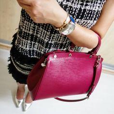 LOUIS VUITTON Brea MM Epi leather fuchsia bag | ZARA top | H AND M skirt | instagram: @quennandher | https://instagram.com/quennandher