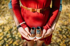 Fall Maternity Photo Session in Cochrane Ranche - Winter Lotus Photography