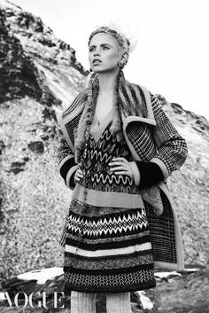 Mountain High, see the Alpine fashion edit from the Vogue team. Anja Konstantinova wears Missoni coat and sweater, Scanlan & Theodore fur vest, Philosophy di Alberta Ferretti skirt and Chanel accessories.Image by Nicole Bentley Fashion Images, Love Fashion, Winter Fashion, Fashion Styles, Alpine Style, Knitwear Fashion, Chanel, Vogue Australia, Female Images