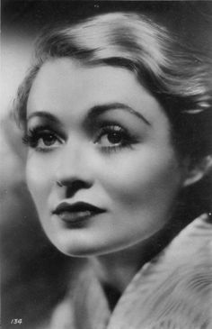 Constange Bennett Hollywood Icons, Golden Age Of Hollywood, Old Hollywood, Constance Bennett, Joan Bennett, Dinner And A Movie, 1930s Fashion, Fresh Face, Vintage Beauty