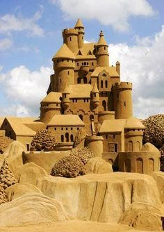 The Detailing On The Masonry Of This Sand Castle Is The Best I - The 10 coolest sandcastle competitions in the world