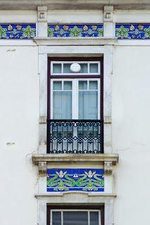 Ernesto Korrodi - as janelas [Edifício Zúquete, Praça Rodrigues Lobo, Leiria]