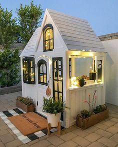 Backyard For Kids, Backyard Patio, Backyard Storage, Backyard Landscaping, Backyard Retreat, Patio Roof, Play House Outdoor Kids, Patio Bar, Tiny House Mobile
