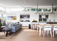 How To Quickly And Easily Create A Living Room Furniture Layout? Modern Grey Kitchen, Grey Kitchen Designs, Modern Farmhouse Kitchens, Interior Design Kitchen, Living Room Furniture Layout, Indoor Outdoor Living, Outdoor Rooms, Open Plan Living, Interiores Design