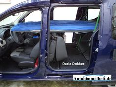 Dacia Dokker Seitenprofil mit heruntergeschwenktem Bett
