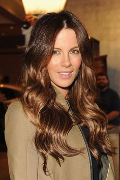 Kate is the queen of a beautiful balayage. Here she is nailing it again with dreamy caramel tones running through her brunette lengths.