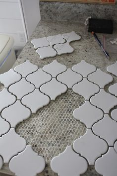 Kitchen Back Splash Part 1: Laying the Tile