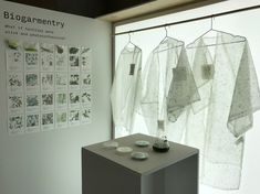 Canadian-Iranian designer Roya Aghighi has created Biogarmentry, clothes that can photosynthesise, as a sustainable alternative to fast fashion. Story Lab, Synthetic Clothes, Process Engineering, Emily Carr, Growing Plants Indoors, Proof Of Concept, Photosynthesis, Sustainable Design, Design Process