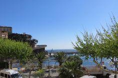 Vente appartement à Cerbère    Front de mer avec accès direct à la plage de Cerbère !  Grand et lumineux appartement d''env 72m² avec vue mer, très agréable séjour double, cuisine séparée avec buanderie et balcon, 2 chambres, salle d''eau avec wc. Pas de charge. A voir !