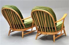 Vare: 3728392 Par Ercol windsor stole i lakeret bøg Ercol Furniture, Outdoor Furniture, Outdoor Chairs, Outdoor Decor, Windsor, Armchair, Home Decor, Sofa Chair, Single Sofa