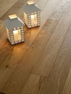 Ekparkett av Kersaint Cobb, rustik, borstad, UV-oljad, 150 x 5 x 18 mm Engineered Oak Flooring, Timber Flooring, Plank Flooring, Kitchen Flooring, Unfinished Hardwood Flooring, Installing Hardwood Floors, Real Wood Floors, Into The Woods, Wooden Decor