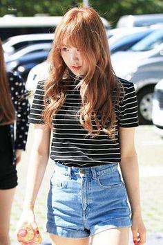 Remarkable Grunge fashion plus size ideas,Punk fashion plus size and Fashion tips for women jeans ideas. Ulzzang Fashion, Kpop Fashion, Girl Fashion, Fashion Tips, Net Fashion, Airport Fashion, Korea Fashion, Style Fashion, Fashion Ideas